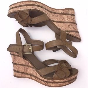 Wanted Sage Brown Floral Striped Buckle Wedges 8